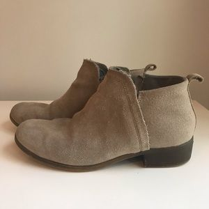 TOMS Deia Booties Taupe Suede/Wool